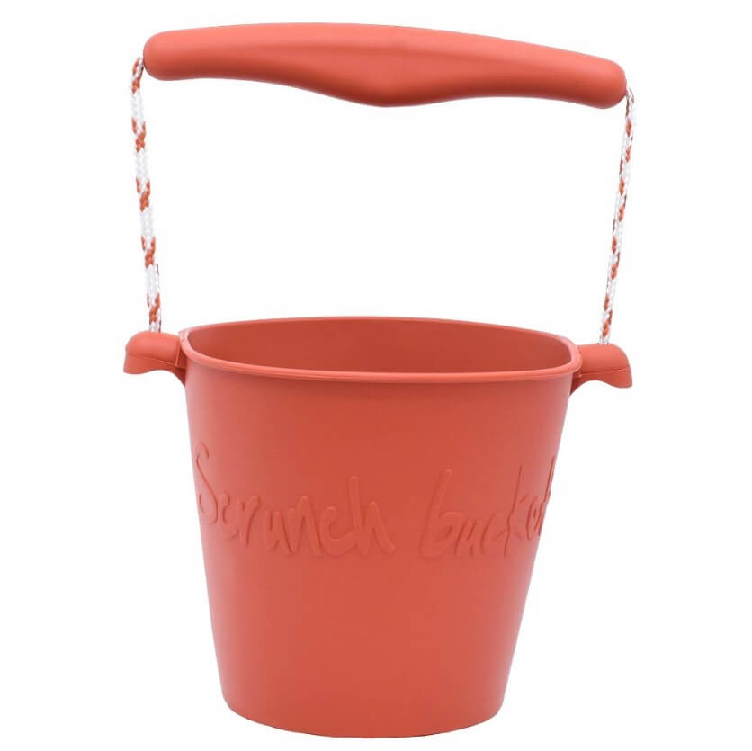 Image of   Scrunch bucket spand rust